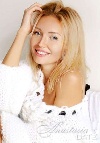 AnastasiaDate Offers Guidance on How to Recognize When Love Gets Serious During a Long Distance Relationship